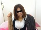 ★人妻えみちゃん☆茶色のスカート&黒のベスト&白のトップス&ショートストッキング