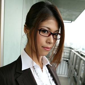 京子(25)T160 B85(D) W56 H87