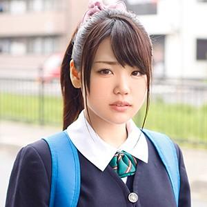 栞里(18)T160 B87(F) W60 H88