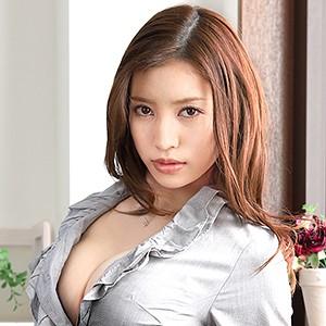 E-BODY専属デビュー 世界的現役ランジェリーモデル/リリィ