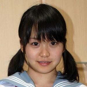 くるみ(18)T153 B82(D-65) W60 H85