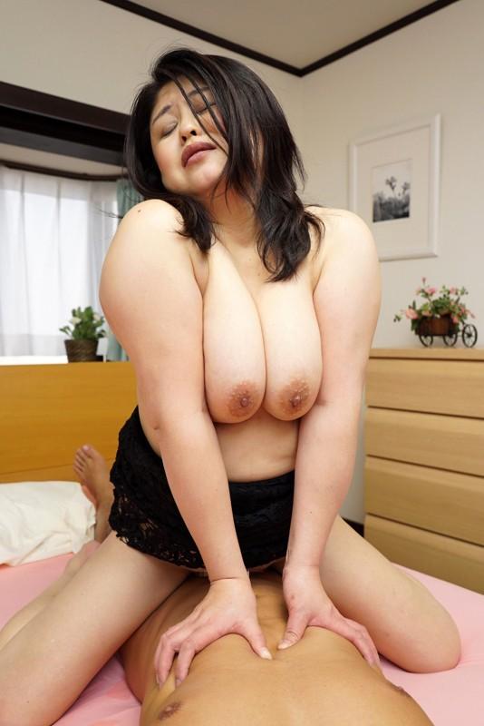 http://pics.dmm.co.jp/digital/amateur/hint0222/hint0222jp-003.jpg