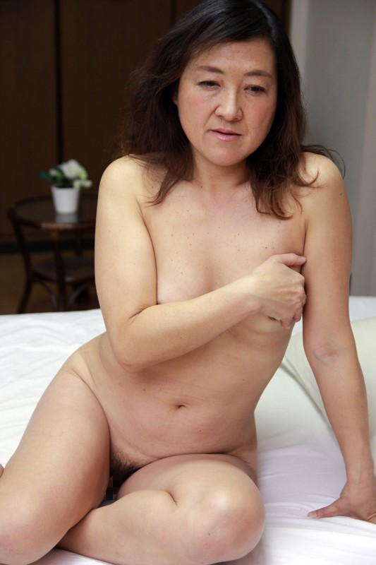 http://pics.dmm.co.jp/digital/amateur/hint0224/hint0224jp-002.jpg