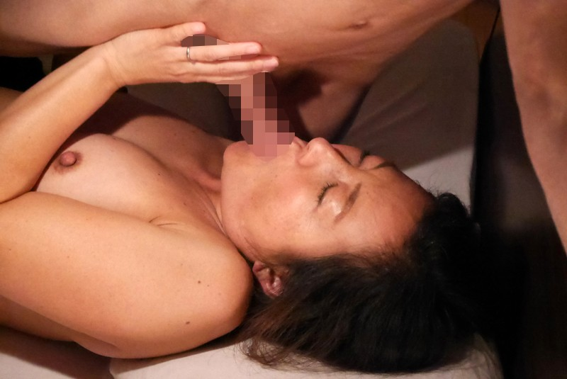 http://pics.dmm.co.jp/digital/amateur/hint0224/hint0224jp-003.jpg