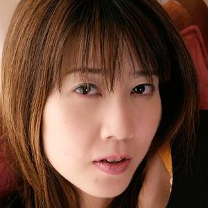 真奈美(28)人妻