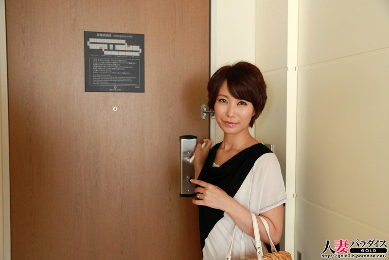 http://pics.dmm.co.jp/digital/amateur/hpara236/hpara236jp-001.jpg