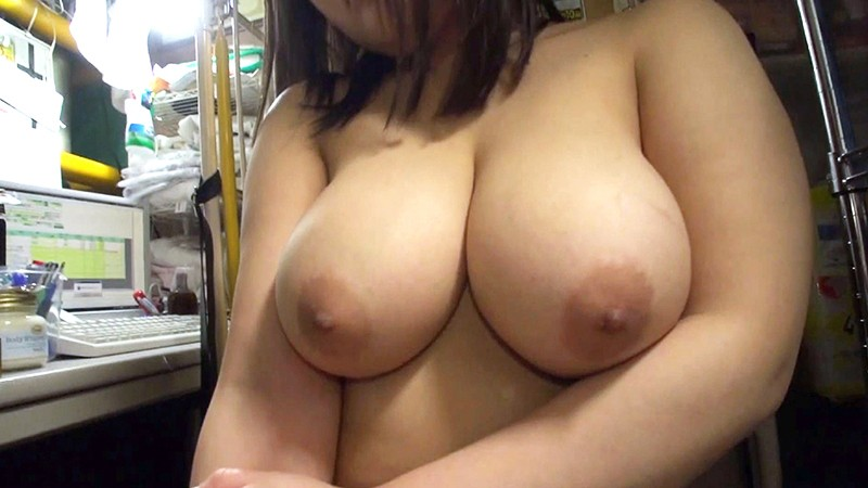 http://pics.dmm.co.jp/digital/amateur/lady054/lady054jp-002.jpg