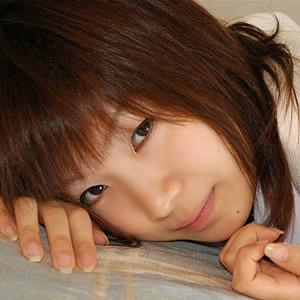 神谷ひとみ(18)T157 B84 W61 H83