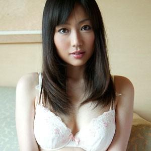 大塚千夏(30)<br>T158 B87(F) W60 H88