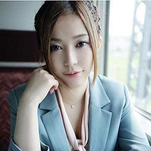 木下奈緒(24)<br>T153 B85(D-65) W59 H88