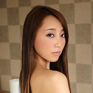 安田栞(30) T165 B88(E-65) W58 H85