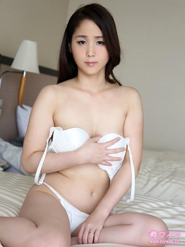 http://pics.dmm.co.jp/digital/amateur/mywife354/mywife354jp-002.jpg