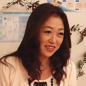 水咲さん(34)T160 B85(C) W60 H85