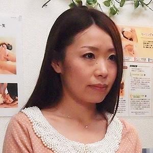 佐々木さん(34)T153 B84(C) W59 H88
