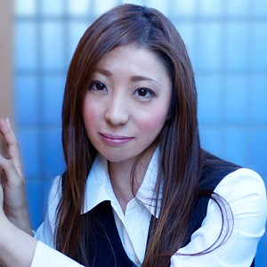 木村さん(22)T150 B86(D) W56 H88