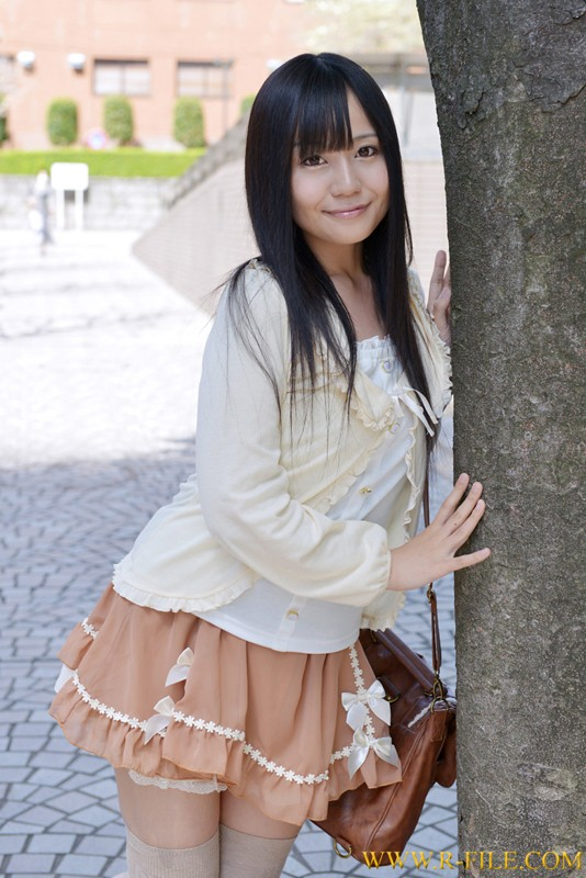 http://pics.dmm.co.jp/digital/amateur/realf309/realf309jp-001.jpg