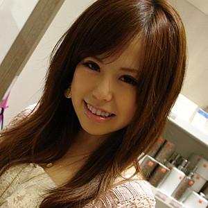 郁乃(23)T159 B83(C) W59 H88