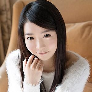 yui(18) T152 B85(C) W56 H85