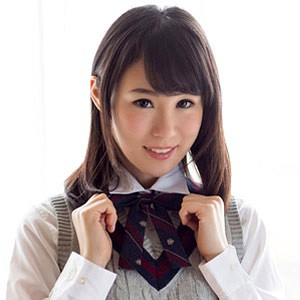 yuzu(21) T155 B83(D) W58 H84