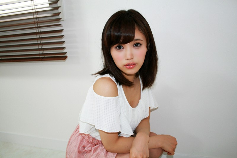 http://pics.dmm.co.jp/digital/amateur/sirotd005/sirotd005jp-001.jpg
