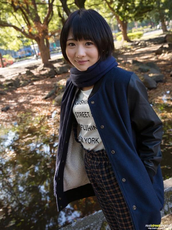http://pics.dmm.co.jp/digital/amateur/street278/street278jp-001.jpg