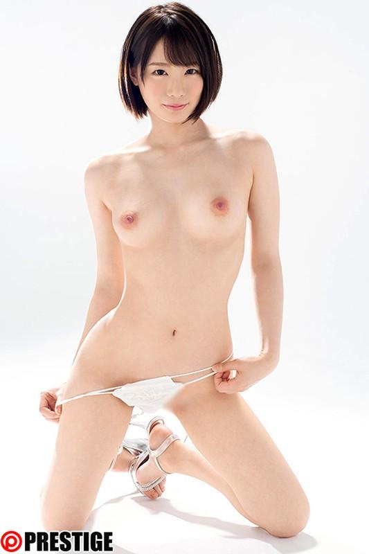 鈴村あいり 画像