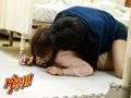 入院中の欲求不満な隣ベッドの若妻に、しびれ薬を飲ませて体の自由を奪い、勃起チ●ポでガン突き大量中出し!! 10
