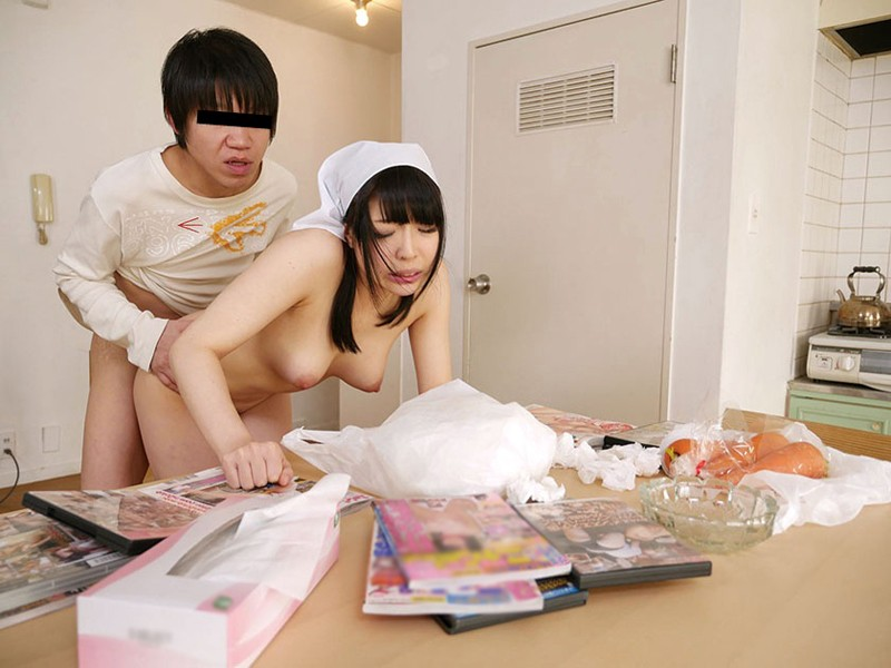ツンデレ幼なじみが両親の留守中に俺の世話しにやってきた!!ノリで全裸家政婦にしたら「もっと辱めて」と懇願してきたので… の画像10