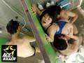 (118kil00115)[KIL-115] 競泳水着インストラクターが痴漢されているにも関わらず身体をピクピク痙攣させてマ◎コを掻きむしり出したので… ダウンロード 9