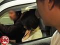 目の前に止まった車の助手席にいる、すまし顔した女の胸があまりにも大きくて… 2 7