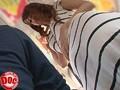 夏場の躰に張り付くマキシワンピを着ている女のモリ○ンが気になって、さりげなくイタズラしてみたら頬を赤らめながら… 2 1