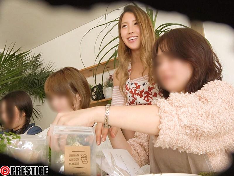 http://pics.dmm.co.jp/digital/video/118srs00070/118srs00070jp-1.jpg