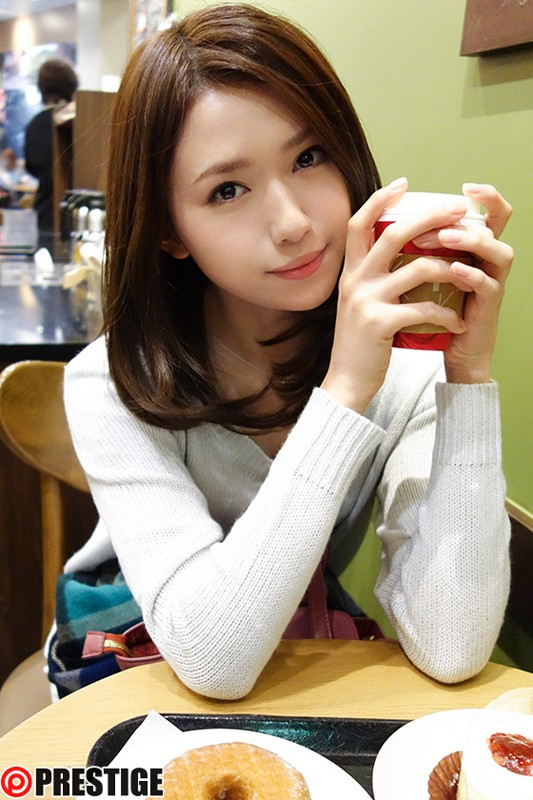 http://pics.dmm.co.jp/digital/video/118tre00046/118tre00046jp-1.jpg