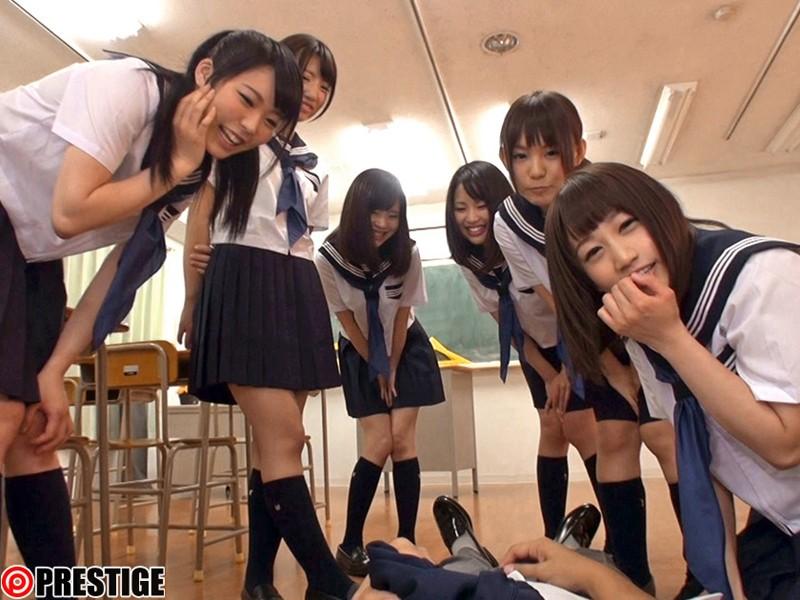 制服美少女スクールデイズ ハーレムセックスSPECIAL とってもエッチで甘酸っぱい、理想のモテモテ学生時代を18人の彼女達とバーチャル体験 の画像11
