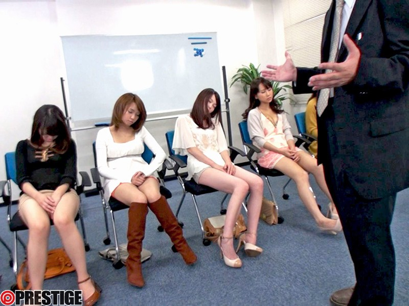 [YRZ-062] 集団催眠 一般女性6名に催眠術をかけたら… 心に不安やストレスを抱えた、一般女性6名に『催眠療法モニター体験』と称し接近、捕獲。催眠によって次々と暴かれる彼女たちの内なる性的欲望が徐々に表面化し、大暴走。スタッフも想定外の、異常事態に発展。