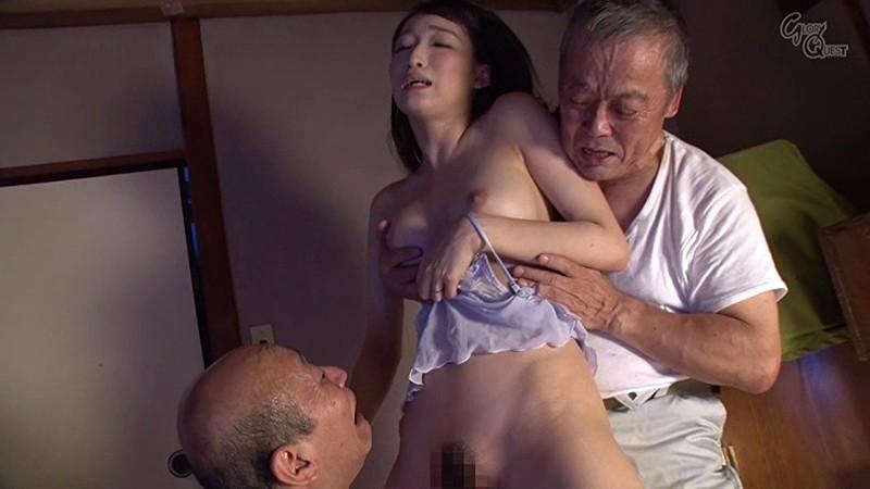 老働者に輪姦され性奴隷と化す巨乳未亡人 蓮実クレア の画像1
