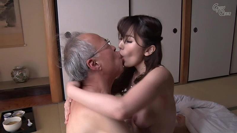 65mm長舌お姉さん浜崎なおの鼻が唾臭で満たされる乳首舐め顔舐め接吻