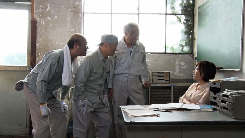 老働者に輪姦され性奴隷と化す巨乳未亡人 水野朝陽 の画像17