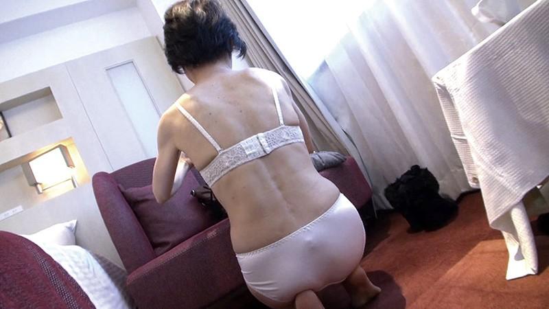 熟女妻面接ハメ撮り[八] の画像3