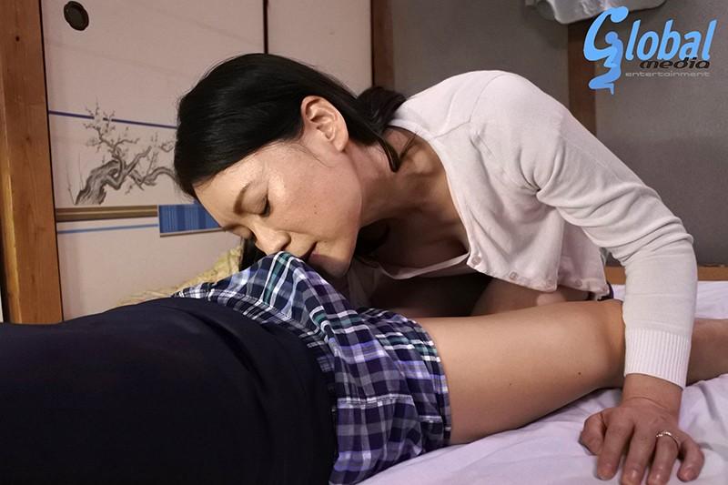 続・異常性交 五十路母と子其ノ弐拾弐 星野友里江 の画像3