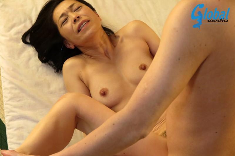 続・異常性交 五十路母と子其ノ弐拾参 海宮みさき の画像10