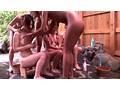 10周年プレミアム作品 グローバル黒ギャルナンパ隊がイク!人妻温泉レズナンパ 白い人妻VS黒ギャル 8