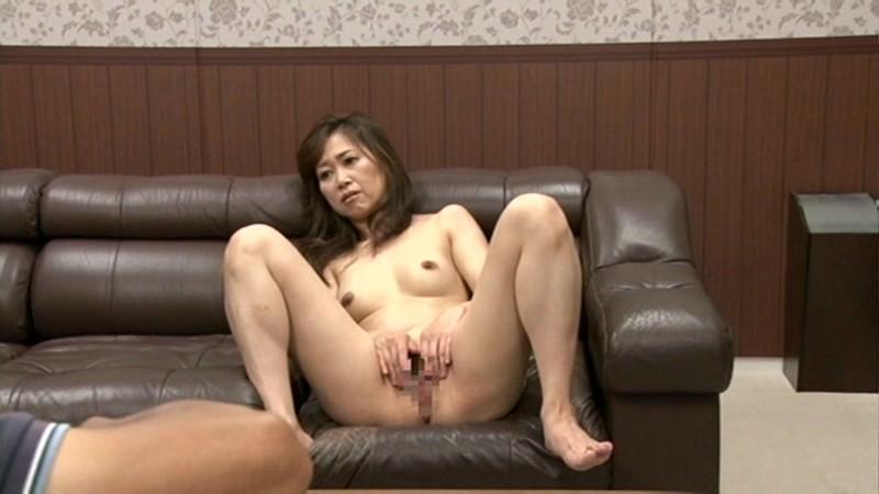 AV初面接!肉ヒダはすでに熱く濡れて… 熟れた人妻 えっ!? あなた誰ですか?恥ずかしいから見ないでー! の画像7