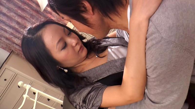Yueng berg sexy lady