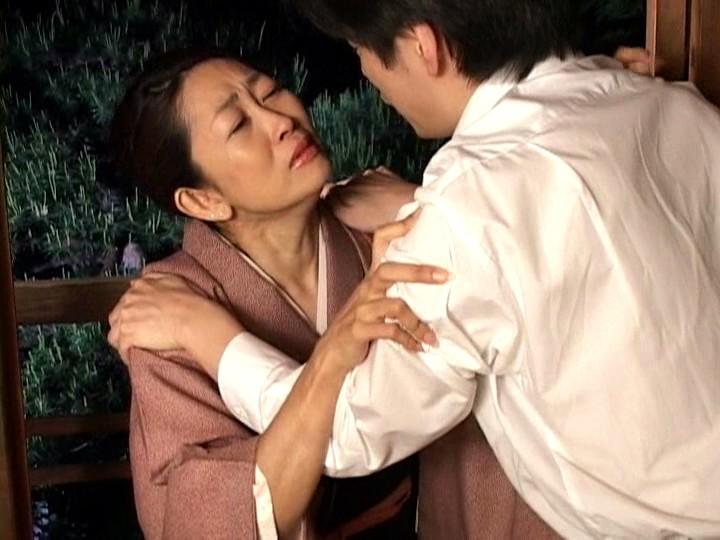 海江田由紀 下宿の学生に告白され一度は断るも、本当は欲しかったと積極的になる未亡人