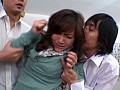 教室にて、裸エプロンの熟女、坂下麗出演の辱め無料動画像。教師の妻 坂下麗