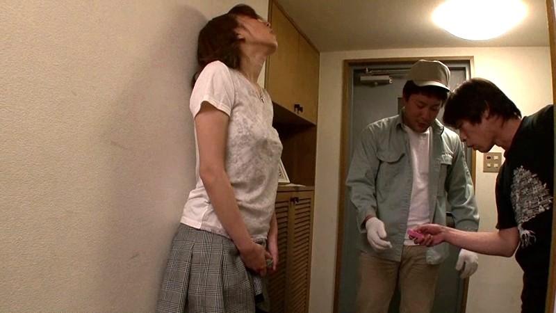 【無修正】年下肉棒を味わうイケナイ性行為!淫乱な奥様③SEX