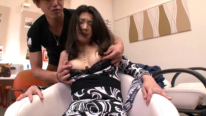 脱法エステに堕ちた妻 芹沢紀香 の画像17
