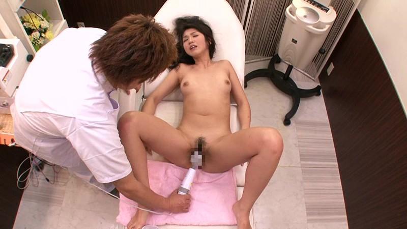 脱法エステに堕ちた妻 芹沢紀香 の画像8