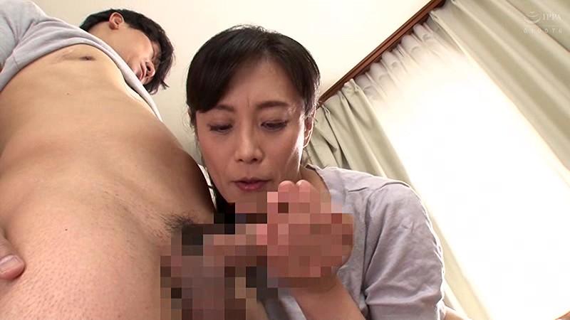 母姦中出し 息子に初めて中出しされた母 平岡里枝子 の画像17